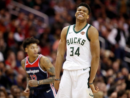 Giannis Antetokounmpo, Kelly Oubre Jr.