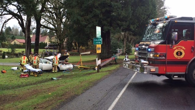 Firefighters respond to crash in Marion County