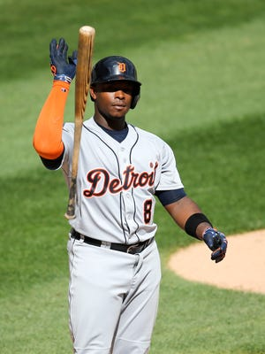 Tigers leftfielder Justin Upton tosses his bat toward the dugout after striking out during the fourth inning of the Tigers' 7-4 loss to the White Sox Wednesday in Chicago.