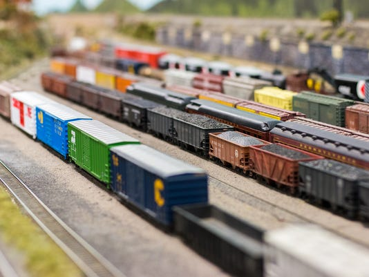 636488548516075791-YDR-SH-120817-miniature-railroad-1.jpg