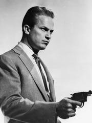 Ralph Meeker had the best role of his career as Mike