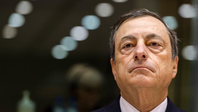 """European Central Bank President  Mario Draghi told the European Parliament Thursday that risks to economic growth were """"clearly visible."""""""