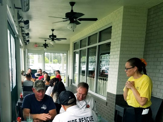 Metro Diner has a covered patio for outdoor dining. The servers use electronic tablets to take and confirm your order. At the end of the meal you can swipe your credit card, add gratuity, and print your receipt right from your table.