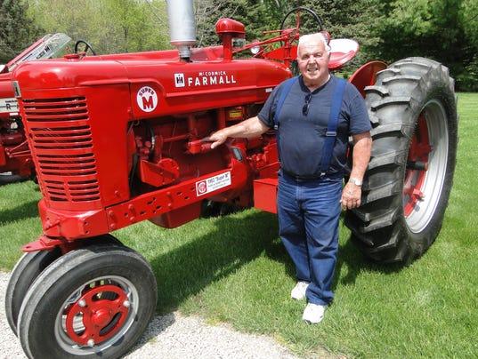 WSF 0519 Gloria tractor show 1