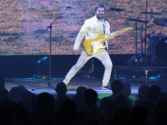 Juanes-Performs-at-the-El-Paso-County-Coliseum-6.jpg