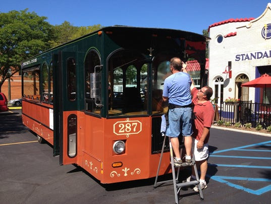 fab cab trolley would circulate in ferndale royal oak nw detroit. Black Bedroom Furniture Sets. Home Design Ideas