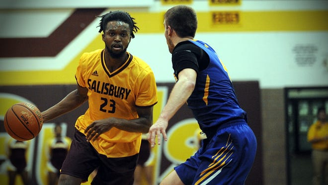 Salisbury's Gordon Jeter drives to the basket in a game vs. Goucher on Tuesday, Nov. 15, 2016 in Maggs Gym.