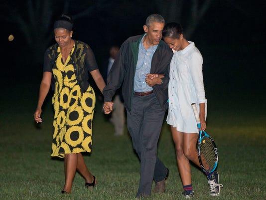 Obama Vacation_Buch.jpg
