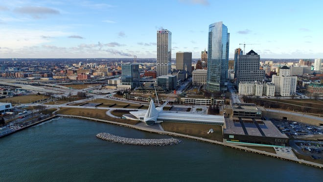 - Milwaukee city skyline drone aerials journalism  - The Milwaukee Art Museum and the Milwaukee skyline.  - Friday, January 12, 2018.  - Photo by Chelsey Lewis and Mike De Sisti  / Milwaukee Journal Sentinel