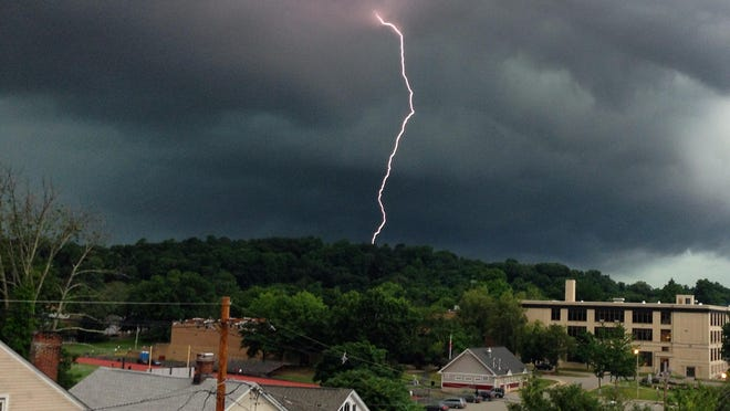 The National Weather Service is warning that severe thunderstorms are possible.
