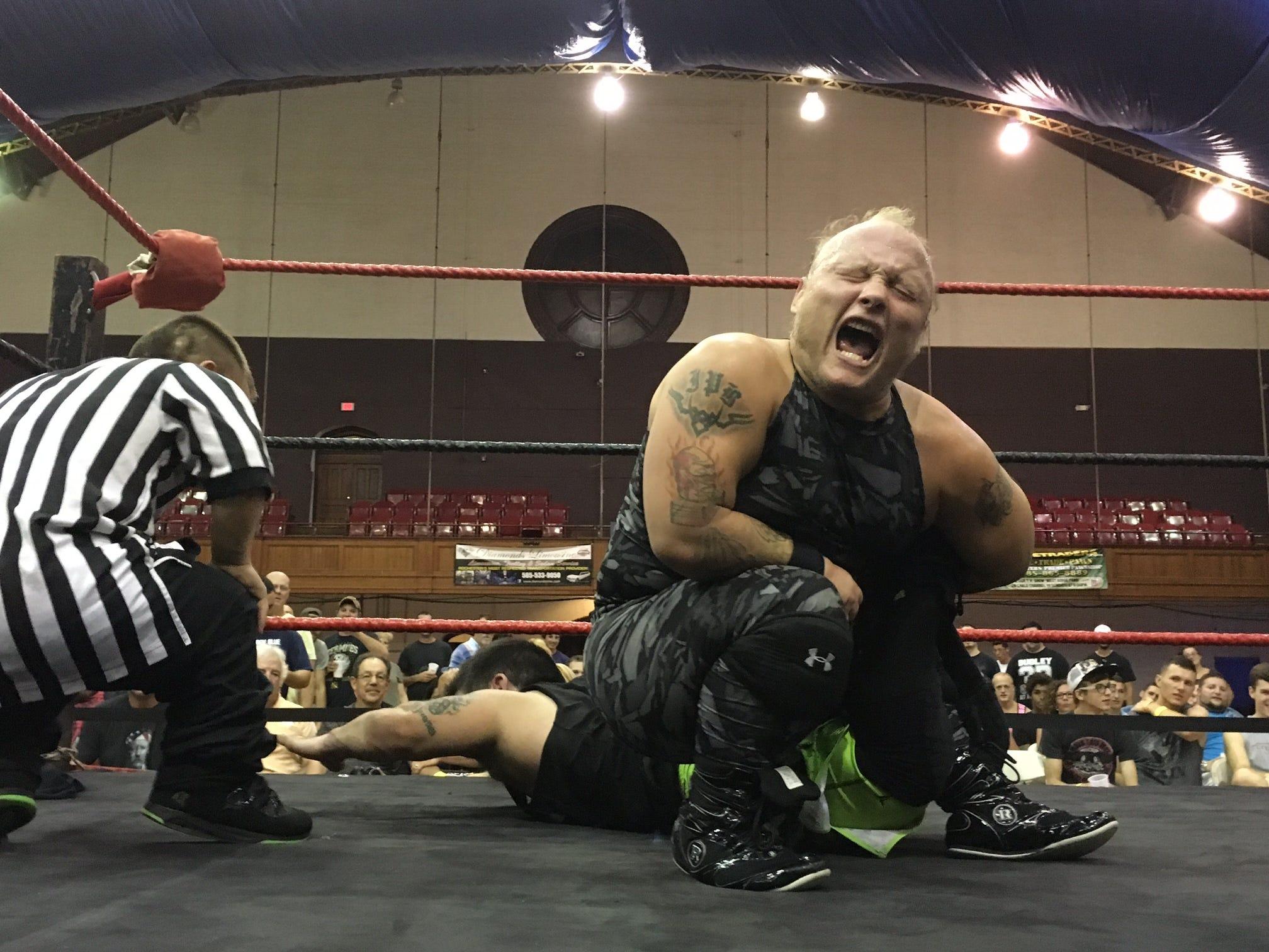 Mania midget pro wrestling