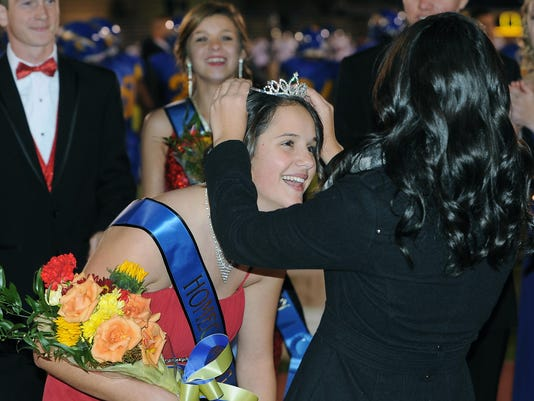 -Homecoming Queen.jpg_20141024.jpg