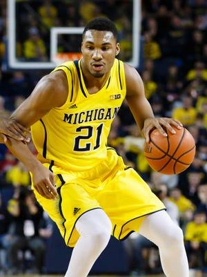 Feb 22, 2015; Michigan Wolverines guard/forward Zak Irvin (21).