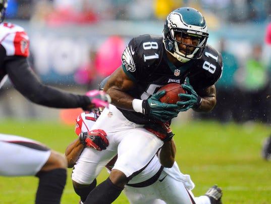 Philadelphia eagles wide receiver jason avant 81 runs with the ball