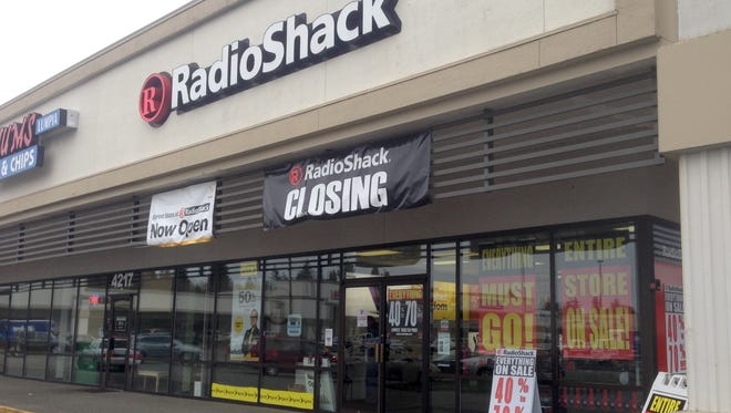 The East Bremerton RadioShack will close at the end of March.
