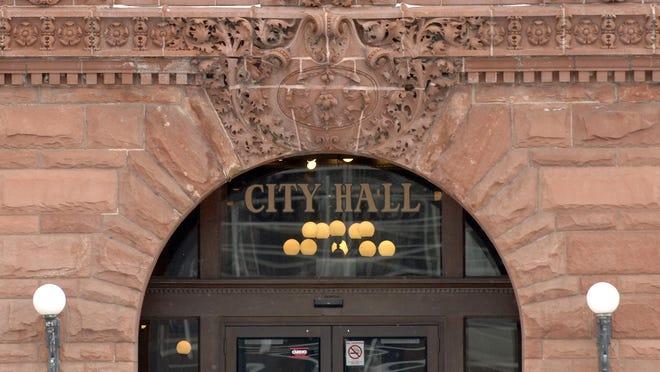 LESLIE RENKEN/ JOURNAL STAR Peoria City Hall