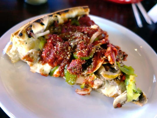 Chicago-style deep dish pizza at Rosati's Old Town
