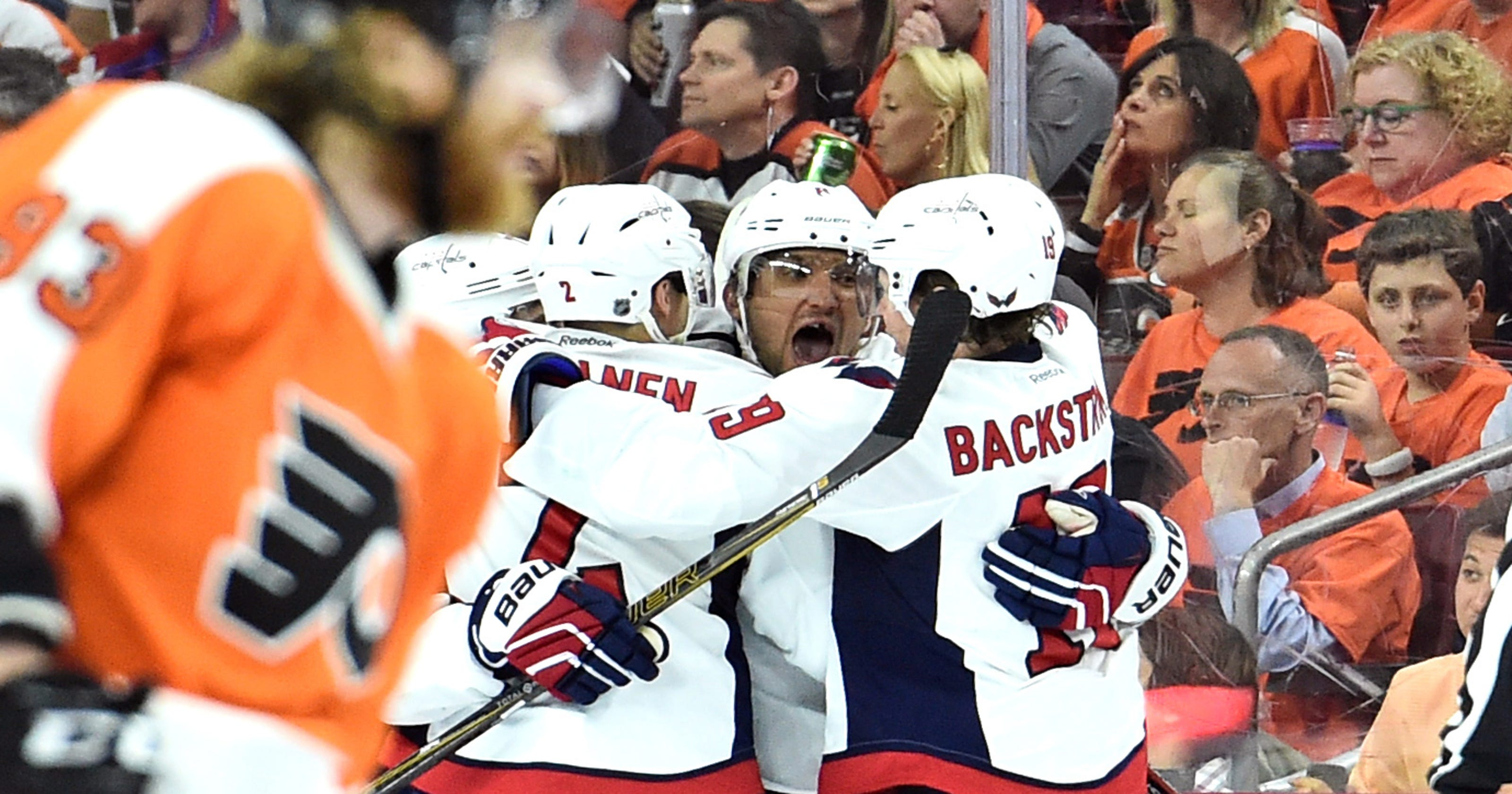 Alex Ovechkin scores twice in Capitals  6-1 Game 3 rout of Flyers 78780df3b