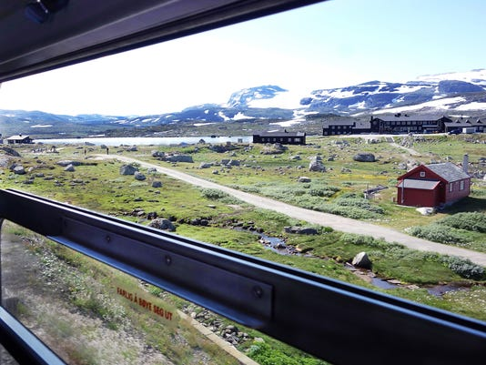 636507743159842360-norway-train-nutshell-102617-rs.jpg