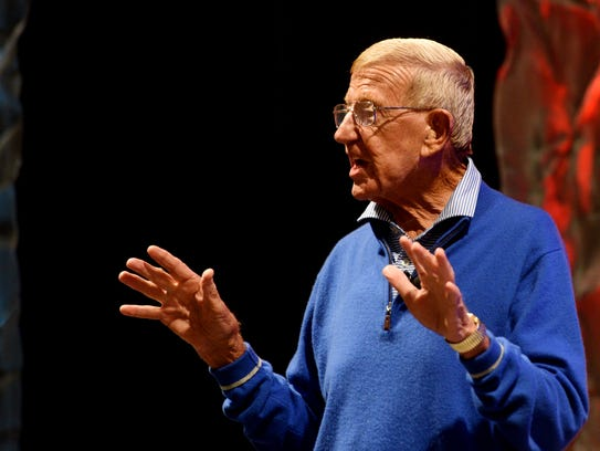 Lou Holtz speaks at LHSCA Convention Wednesday afternoon