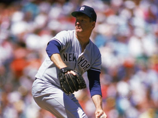 Tommy John delivers a pitch for the New York Yankees during the 1989 season.