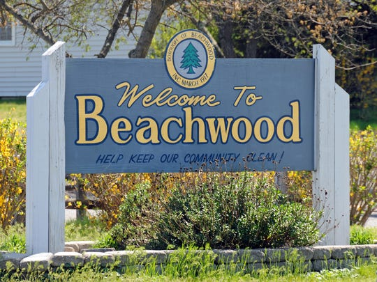 BEACHWOOD WELCOME SIGN, LOCATED ON ROUTE 9 SOUTH, WEST SIDE.