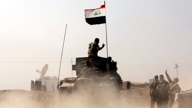 Iraqi army soldiers east of Mosul on Oct. 23, 2016.