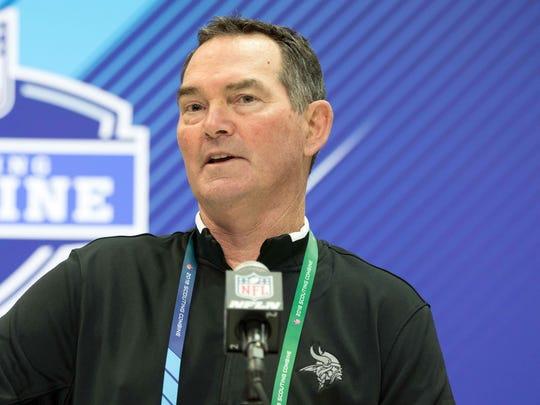 Minnesota Vikings head coach Mike Zimmer speaks to