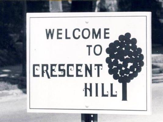 635902734192997112-Crescent-Hill-sign.jpg