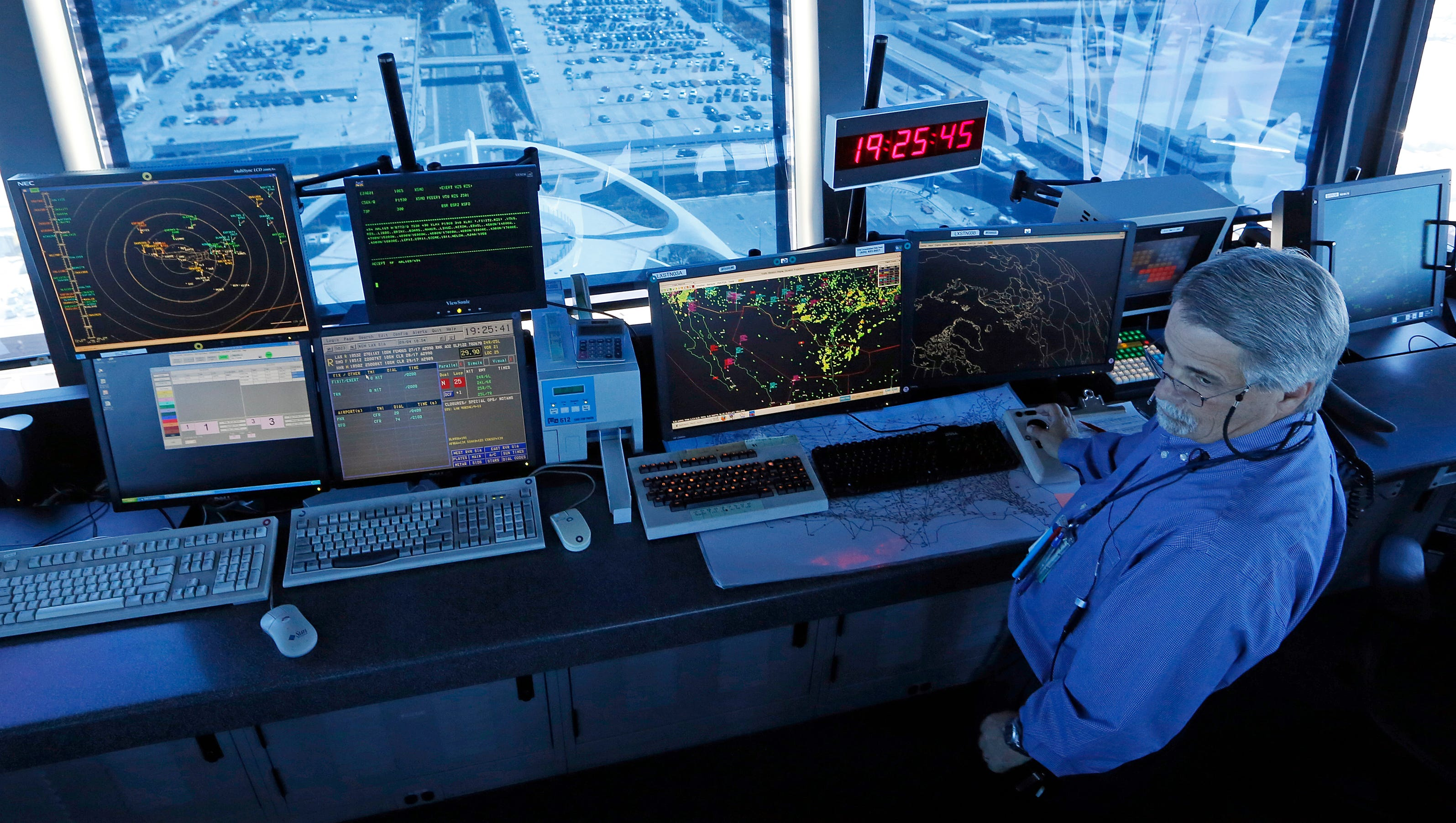 Air Traffic Controller college now