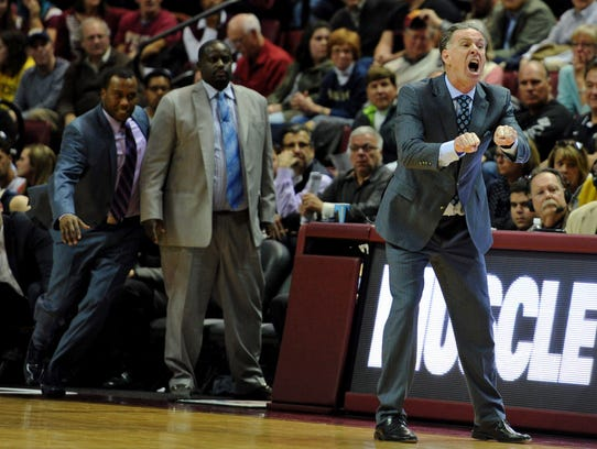 Pittsburgh Panthers head coach Jamie Dixon has a technical