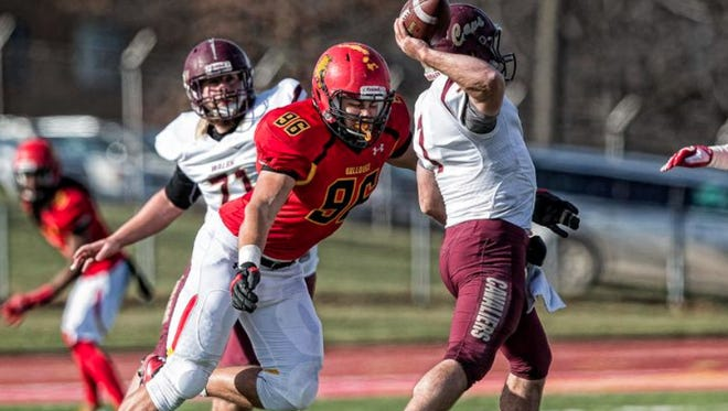 Former Pinckney football star and current Ferris State defensive end Zach Sieler won Defensive Player of the Week in the Great Lakes Intercollegiate Athletic Conference for his 10-tackle performance against Old Dominican on Thursday.