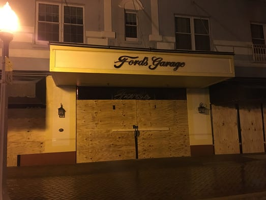 Downtown Fort Myers, which should have been been full