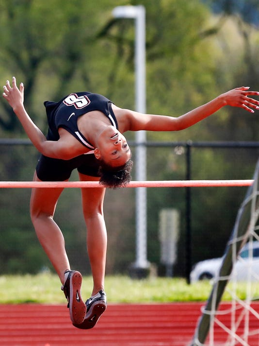 636602130338694249-06-Girls-track-and-field.JPG