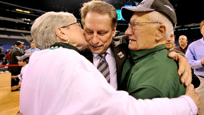 Tom Izzo with his mother Dorothy and father Carl Izzo.