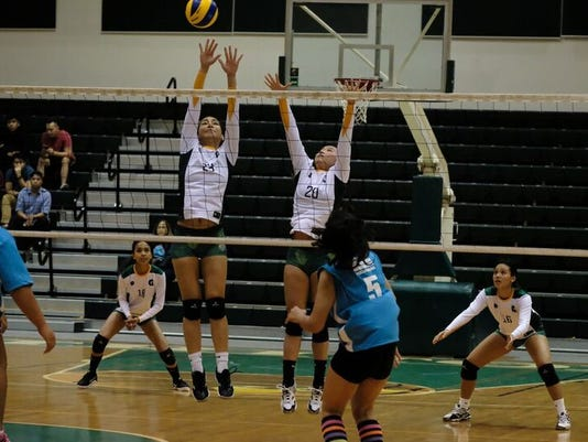 636406890165162735-UOG-VB-vs-GCC-2---Copy.jpg