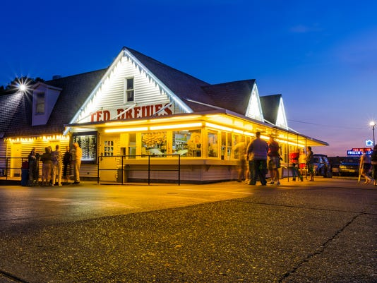 636660742725595386-1-Cover-Photo-Ted-Drewes-Philip-Leara-Flickr-.jpg