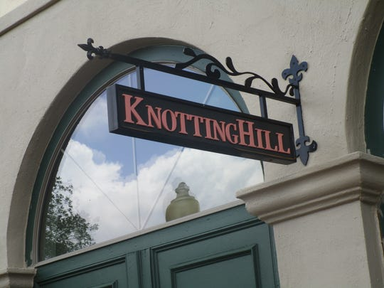 The Knotting Hill clothing store in Rive Ranch has closed.