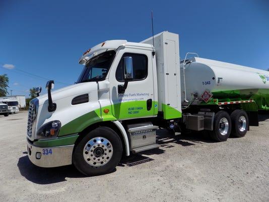 636009864123624037-CNG-truck.jpg