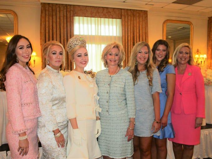 Abigail, Reneé, Madeline and Ellin Busch, Katie, Aimee