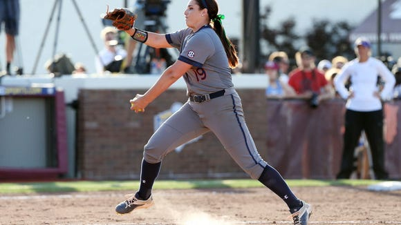 Auburn senior LHP Rachael Walters throwing a pitch during the SEC tournament championship game win over LSU.