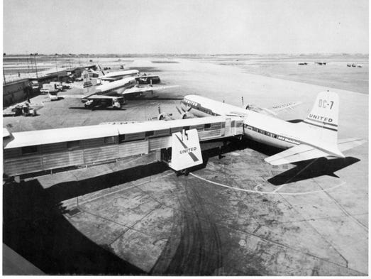 A Short History Of The Much Maligned Jet Bridge