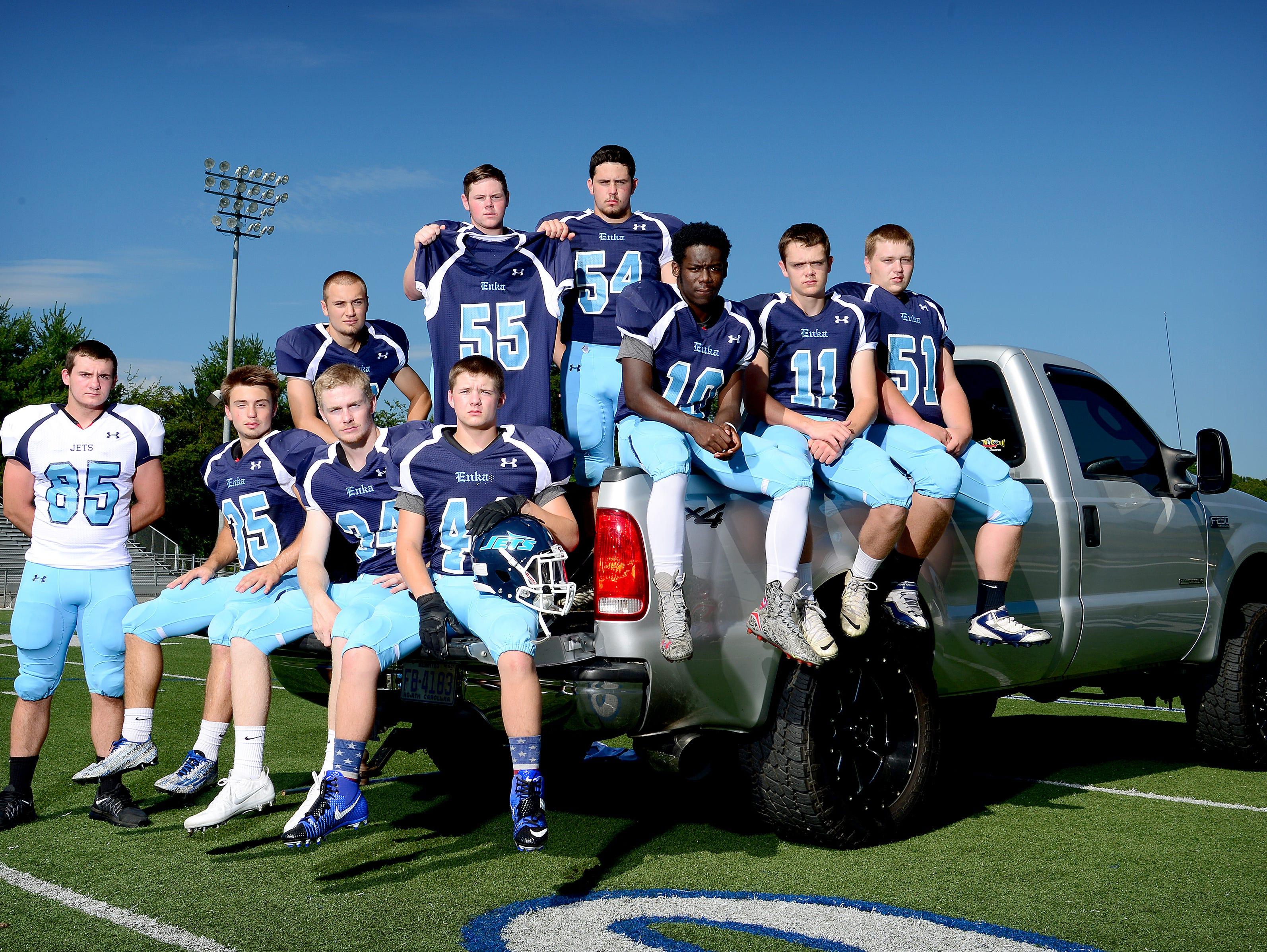 The Enka football team's seniors.