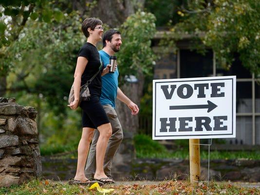 636432261036993081-Primary-voting-003.JPG