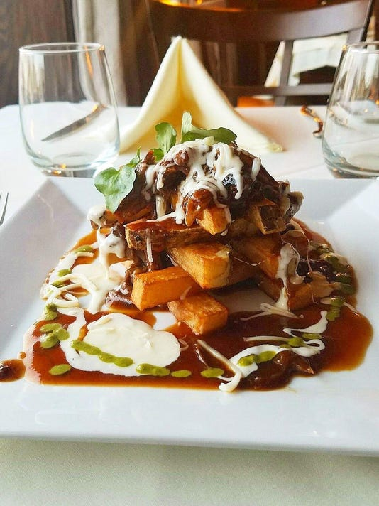 Oxtail disco fries
