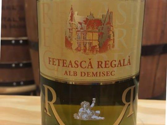Recas Castle fetasca regala from Romania.