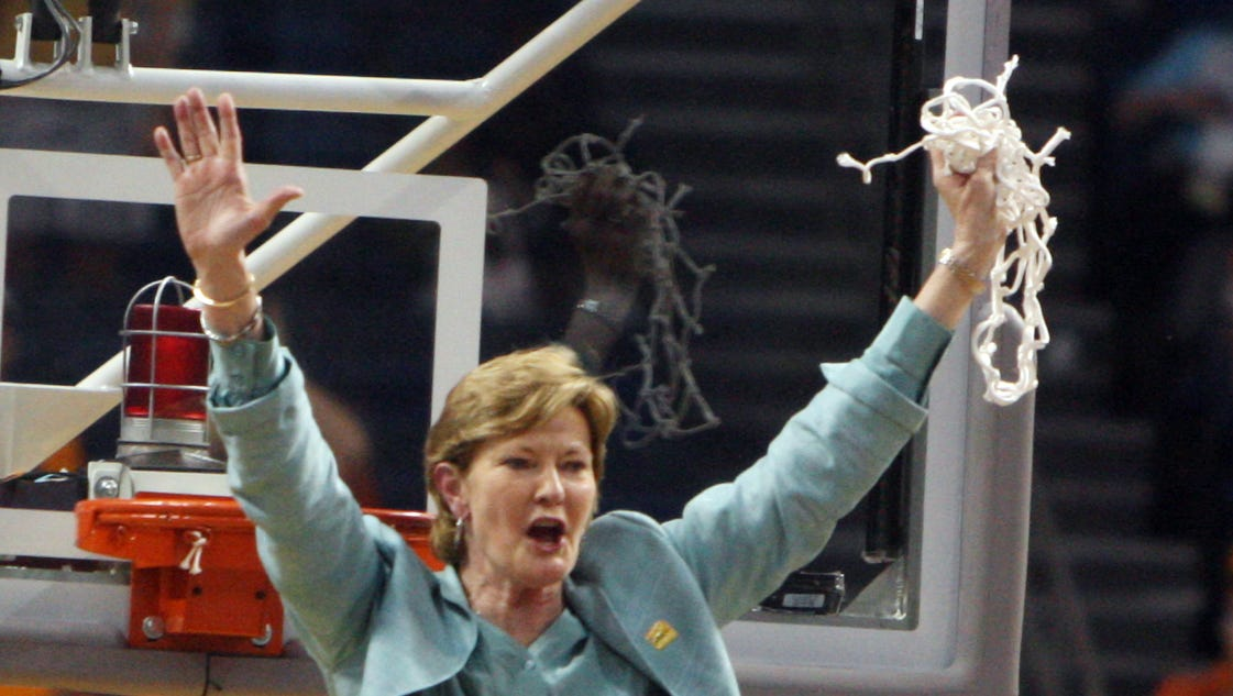 Pat Summitt family: 'Past few days have been difficult'