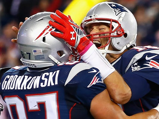 Patriots bounce back, use 2 TE set to rout Bengals