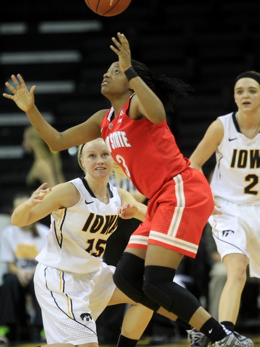 635906371481504433-IOW-0205-Iowa-wbb-vs-OSU-07.jpg