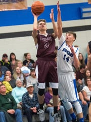 Southern Fulton's Chase Varner (3) shoots the ball